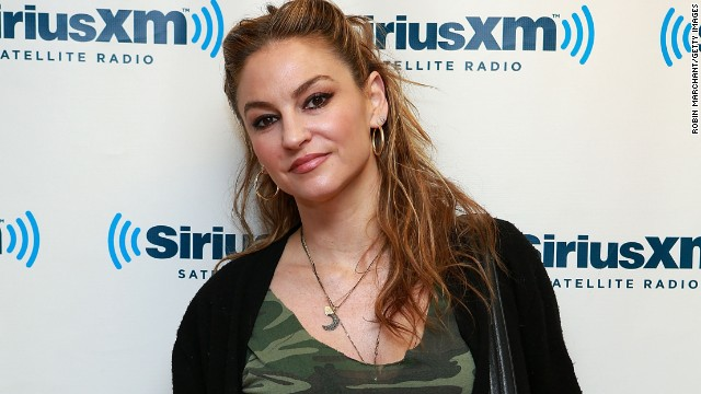 "Drea De Matteo will return to ""Sons of Anarchy"" as Wendy in season 6."