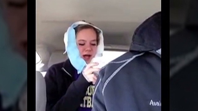 orig distraction sad to lose wisdom teeth_00002612.jpg