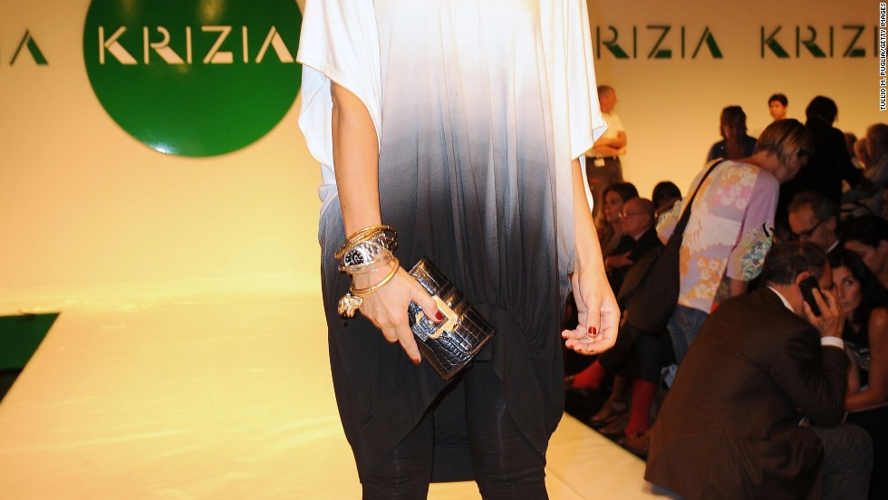 f7c786ee56c9 Francesca Senette wears leggings with a loose tunic at a Krizia fashion  show.
