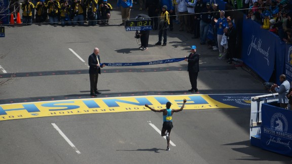 Ethiopian runner Lelisa Desisa, who won the men