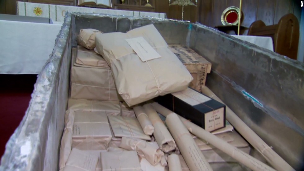 See what's in 100-year-old time capsule