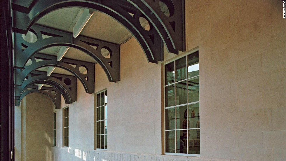 The construction project provides a new entry to the gallery while maintaining and reflecting the original architectural style by William Wilkins in 1838.