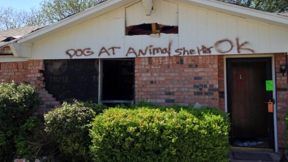 Officials leave a message for a homeowner evacuated after the April 17 blast.