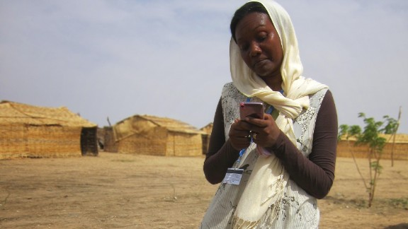 Matos, who is not a professional photographer, has done so far three exhibitions of the images he took in Darfur.