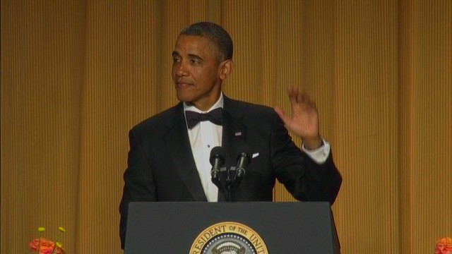 raw video WHCD obama reaching out joke_00001815.jpg