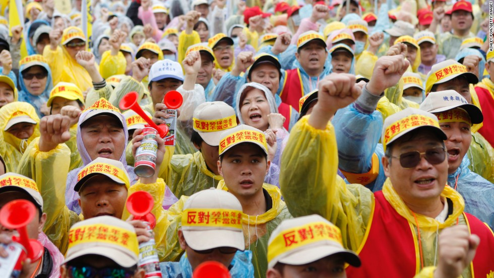 In Taipei, Taiwan, more than 20,000 workers staged a protest against President Ma Ying-jeou's pension reforms.