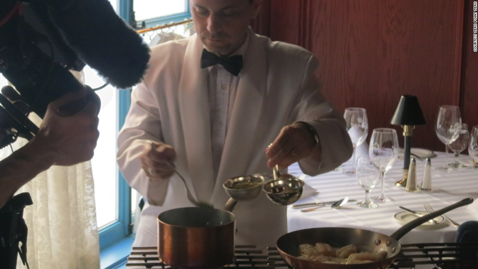 Le Continental in Quebec City specializes in old-school, tableside flambé dishes.