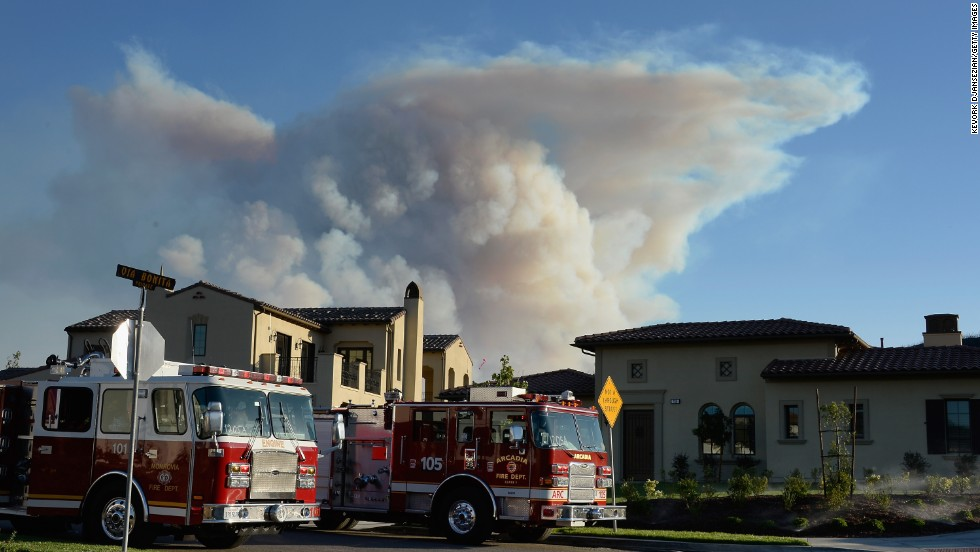 A large plume of smoke rises from the wildfires in Newbury Park, California, on May 2.