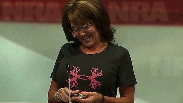 Palin threatens to chew tobacco on stage