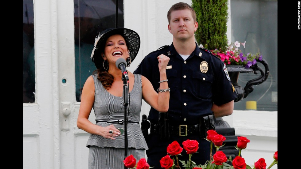 Country singer Martina McBride performs the national anthem prior to the race.