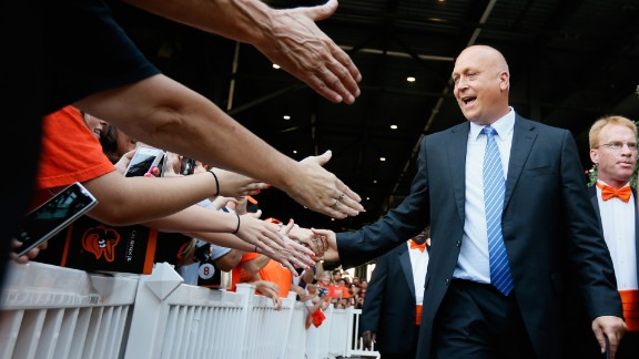 Former Baltimore Oriole Cal Ripken Jr. will speak to graduates of the University of Maryland on May 19.