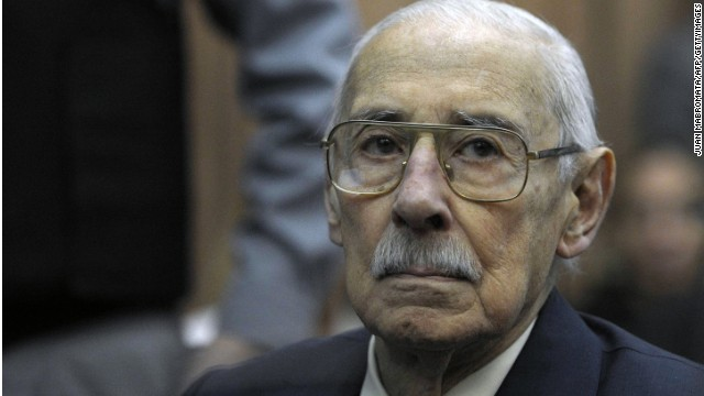 Former Argentina's dictator and General Jorge Rafael Videla in a courtroom in  Buenos Aires on July 5, 2012.
