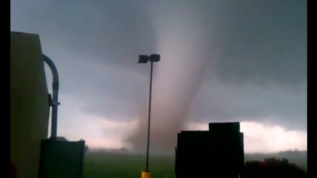 See cell phone video of tornado