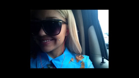 Early in 2013, Bynes generated plenty of press with a new look that included long blond hair and apparent cheek piercings. In March, she nearly brought down Twitter when she seemingly sent Drake a lewd tweet.