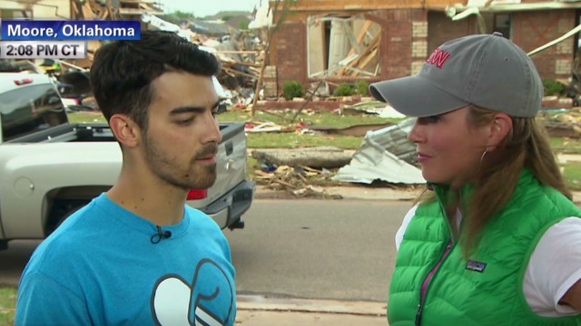 The Jonas Brothers help tornado victims