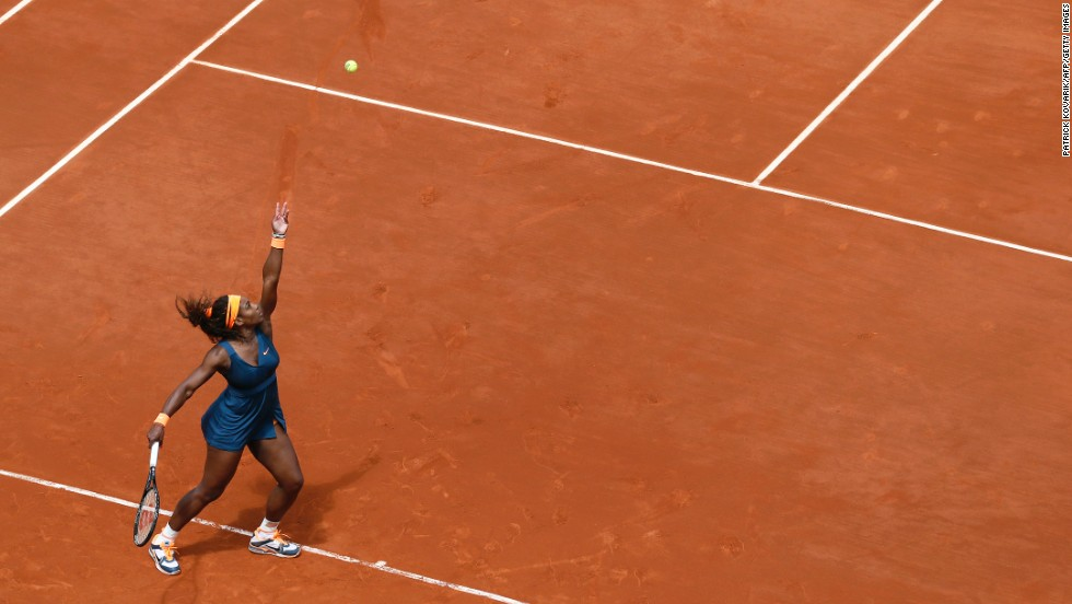 Serena Williams of the United States serves to Italy's Roberta Vinci during a 4th-round match of the French Open on Sunday, June 2, in Paris. Williams beat Vinci 6-1, 6-3.