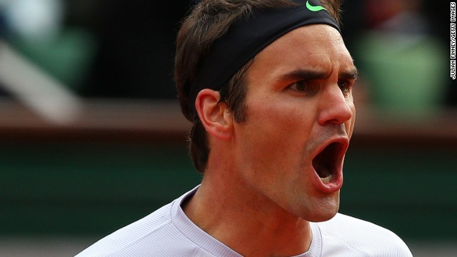 Roger Federer is through to the last eight at the Halle Open, Germany.