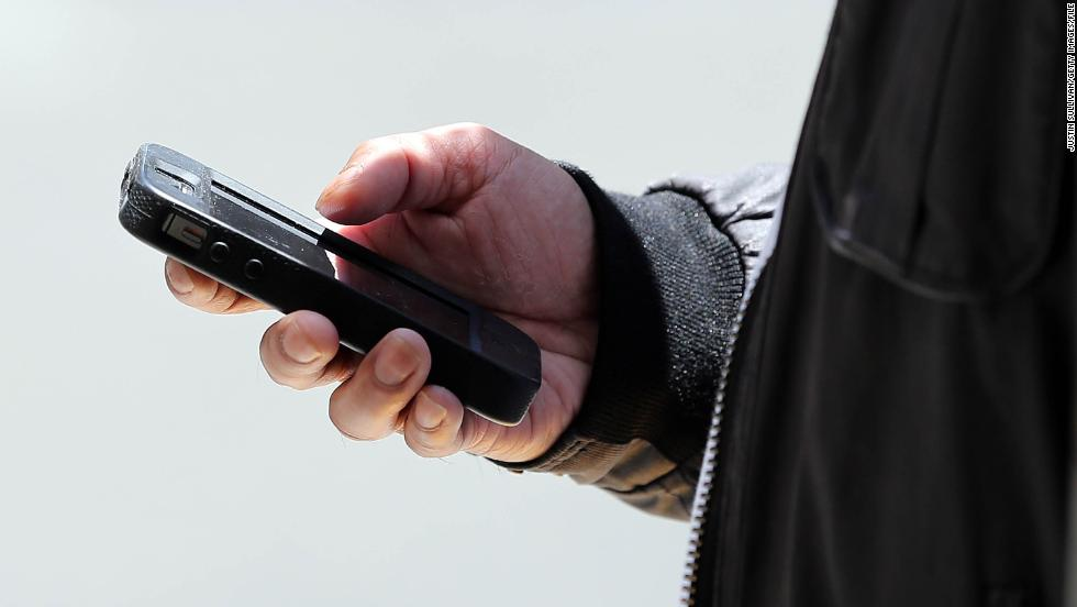 White House Bans Personal Cell Phones From The West Wing Cnnpolitics