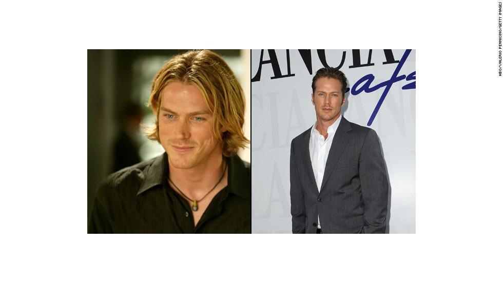 "Jason Lewis sent pulses racing as Jerry 'Smith' Jerrod, the model/actor who managed to snag even a small part of Samantha's heart. He appeared as Chad Barry on the TV show ""Brothers & Sisters"" and most recently co-starred in the series ""Midnight, Texas."""
