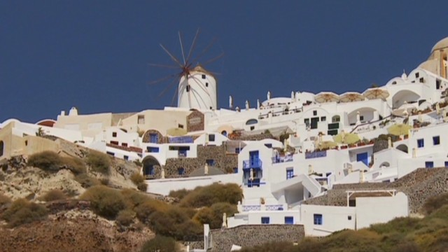 Tourism a lifeline for Greece