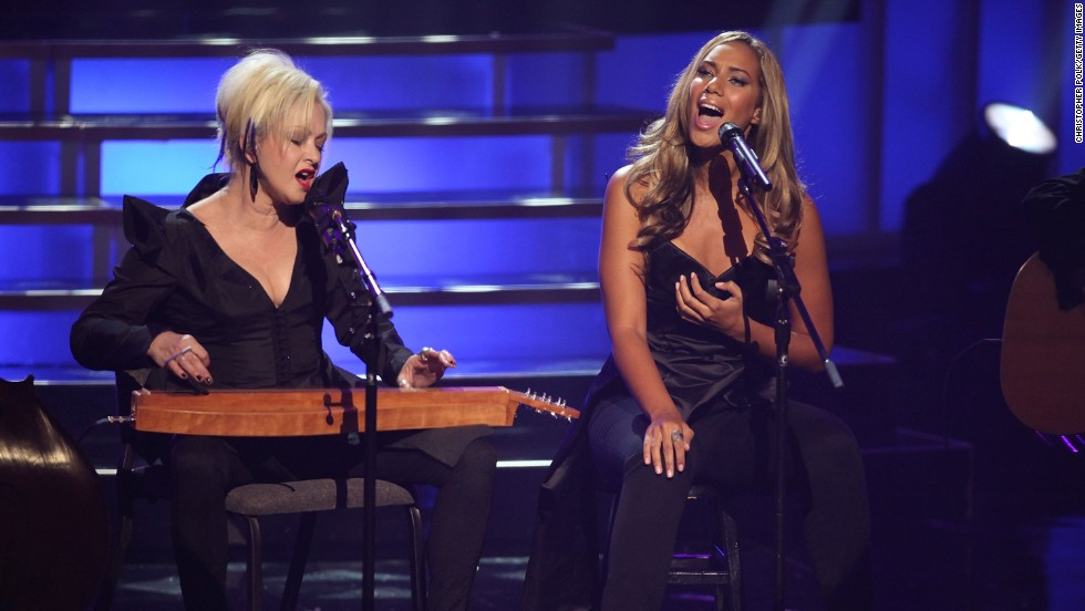 "Cyndi Lauper and Leona Lewis performed in 2009 on ""VH1 Divas"" at Brooklyn Academy of Music in New York."