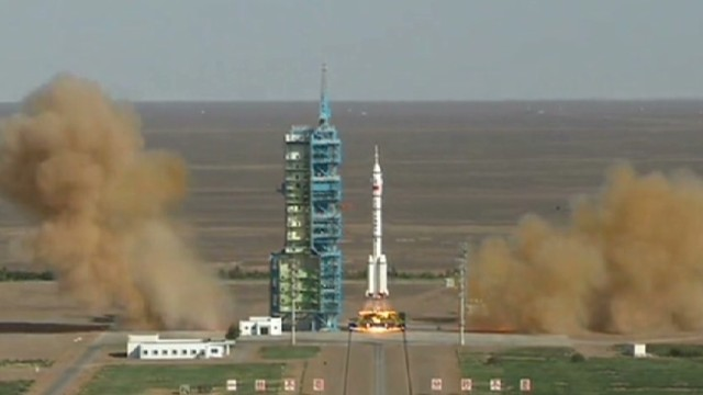 Watch Chinese rocket blastoff