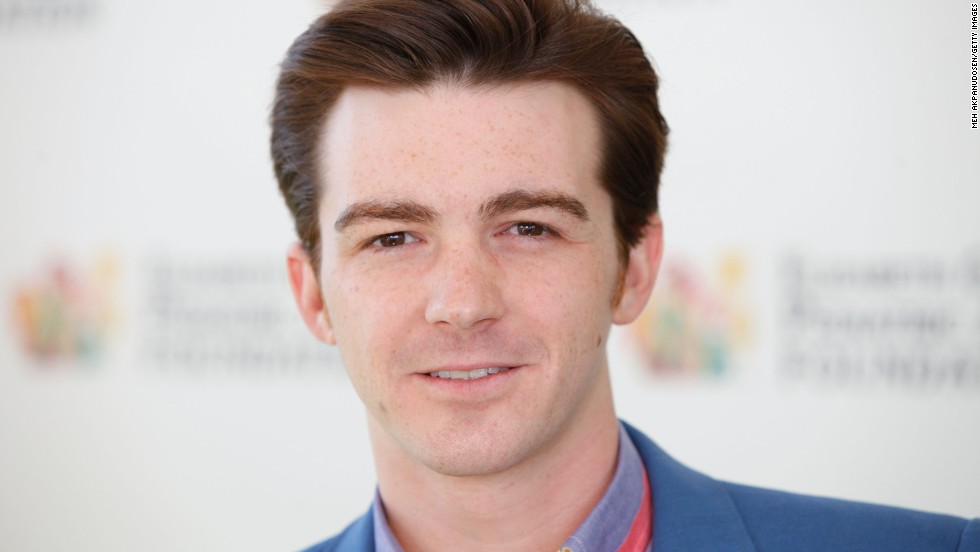 Drake Bell sentenced to probation for sexual texts with a minor