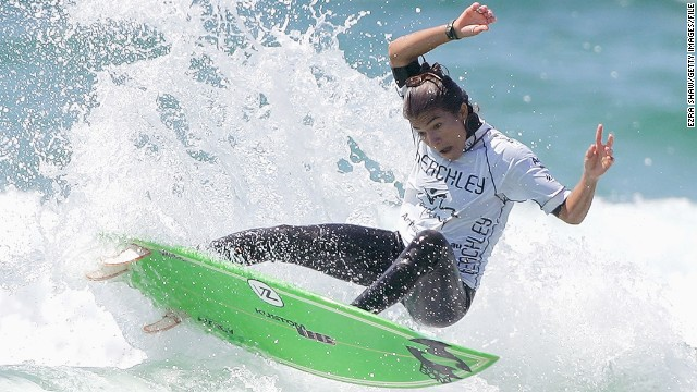 How water 'energizes' historic surfer