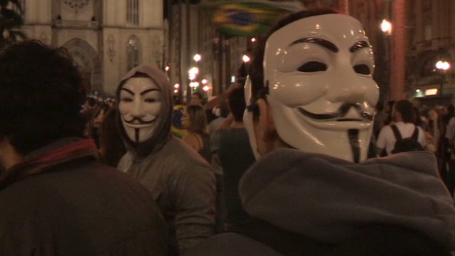 Brazilians back on streets to protest