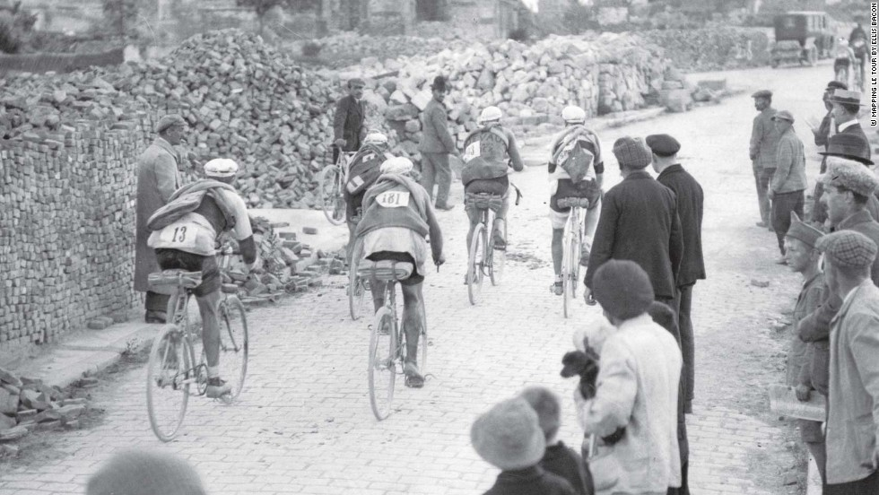 The First World War may have finished nearly three years earlier, but the ravages of the conflict were still in evidence as the riders make their way through Mondidier. Belgian Leon Scieur won the race.