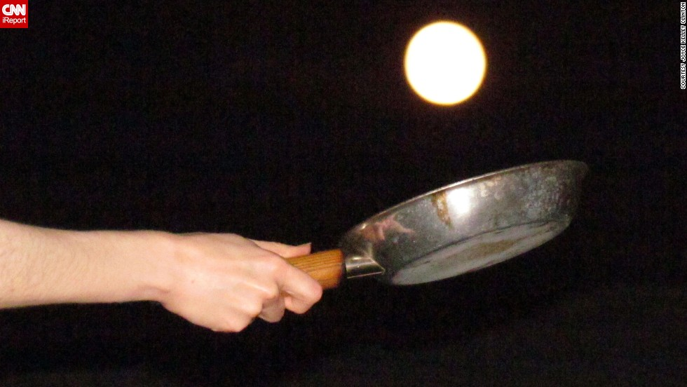 "<a href=""http://ireport.cnn.com/docs/DOC-994228 "">Joyce Kelley Clinton </a>and her husband, Andy, wanted to flip some supermoon pancakes for their creative photograph. ""We did not know how difficult it would be to arrange the photo so that the moon was an equivalent size with the pan,"" she said. ""It required a lot of crouching, shifting, stepping, lifting, and maneuvering. And also giggling."""