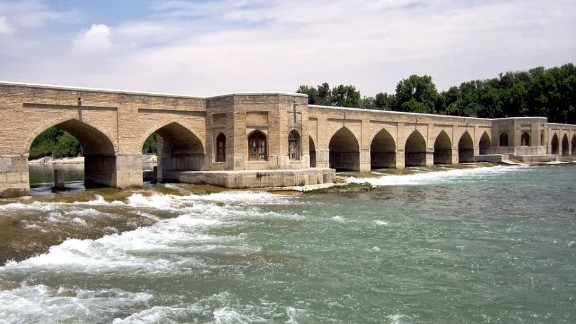 The 21-arch Chubi Bridge (1665) is another of the four historic bridges of Isfahan. The two pavilions were used by the king