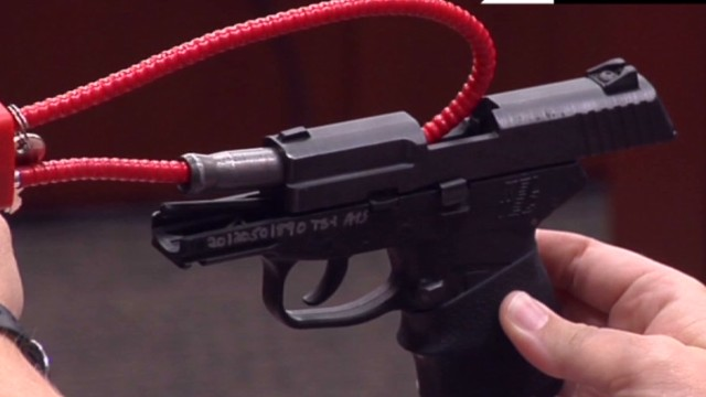 hln zimmerman trial day 2 gun _00005123.jpg
