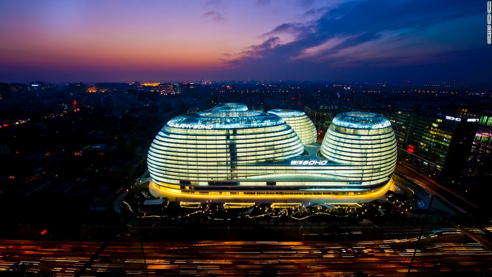 With its gracefully merging dynamic form devoid of corners, Galaxy SOHO, has become a landmark building in on Beijing's East 2nd Ring Road.