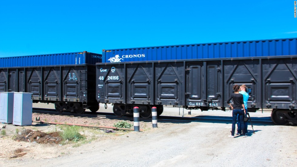 The train followed by The Gateway team consisted of 42 containers filled with a cargo of computer components produced for HP.