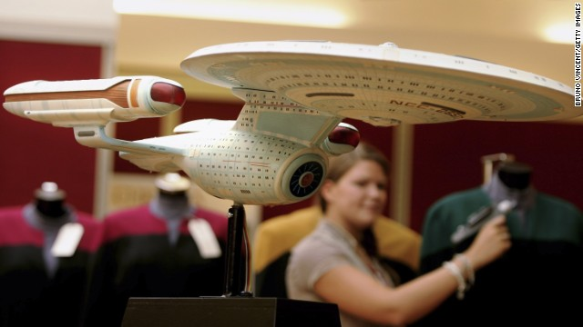 Shields Up Scientists Work To Produce Star Trek