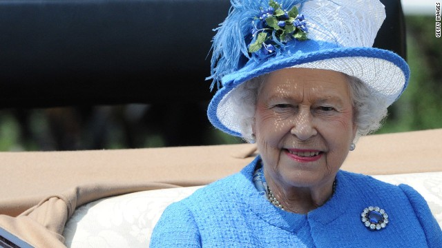 UK taxpayers giving queen a pay raise