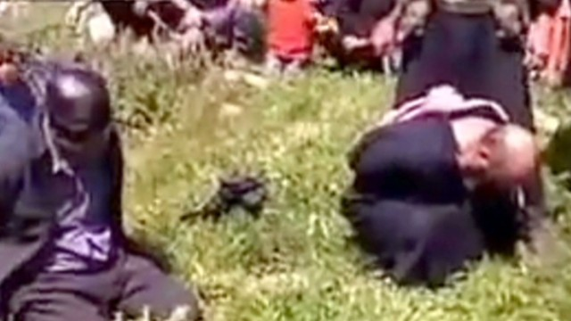 Horrific video shows beheading in Syria