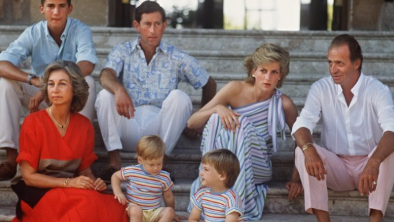 Before Catherine gave birth to a baby boy, experts said Diana could be a potential middle name if the new arrival was a girl, in tribute to Prince William's mother -- the baby's grandmother -- who died in a car crash in Paris in 1997.