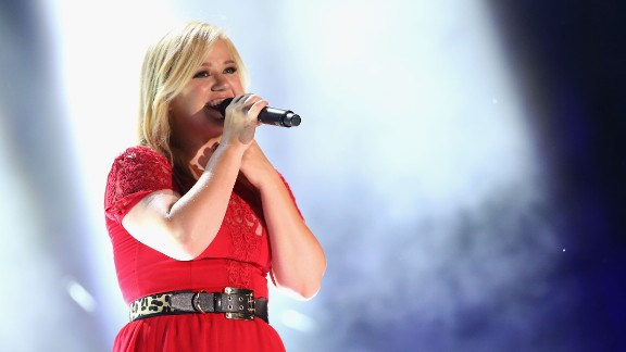 "A fire at her apartment reportedly forced singer Kelly Clarkson to live in a car and shelters before she became a star on ""American Idol."""