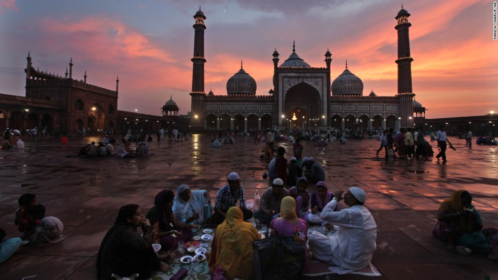 Muslims break their fast in New Delhi on July 12.