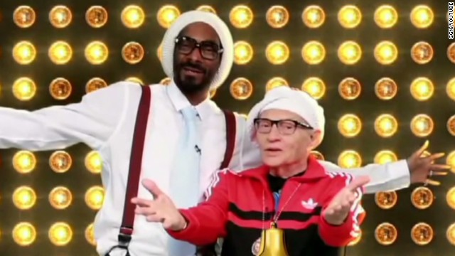 Larry King raps with Snoop Lion