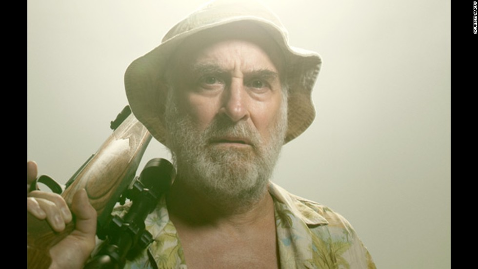 Dale Horvath (Jeffrey DeMunn) was disemboweled by a walker.