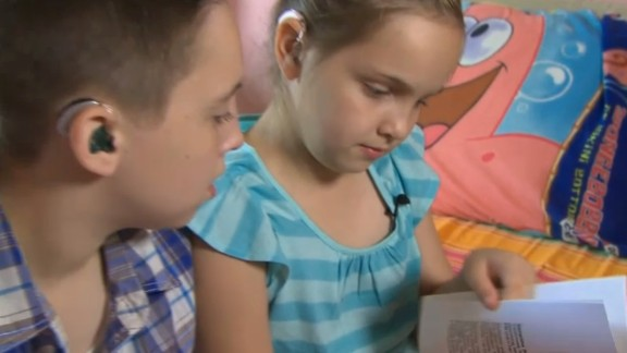 Samantha Brownlie was diagnosed with nonsyndromic sensorineural bilateral hearing loss when she was 3. She wrote a book to explain why she wears a hearing aid in school. Read more.