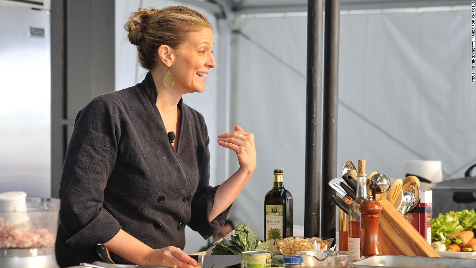 Amanda Freitag gives a culinary demonstration at Cultivate.