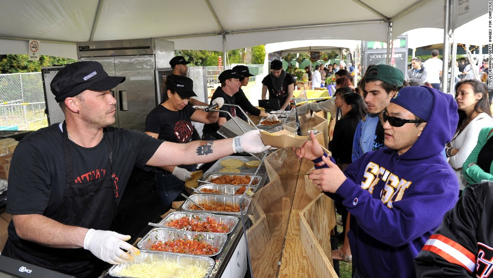 In San Francisco, Cultivate concertgoers line up for tacos.