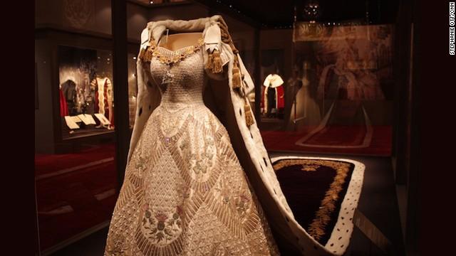 Current Wedding Dress Fashion
