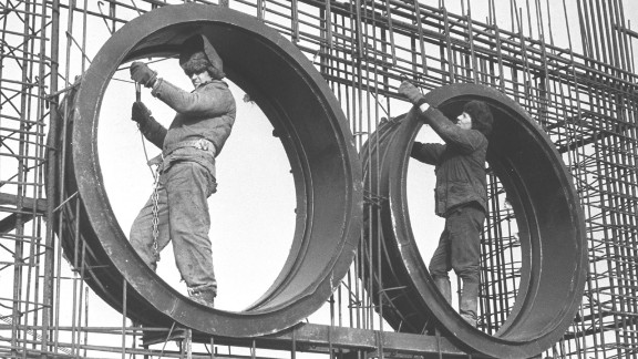 Laborers work on construction of the Soviet Union