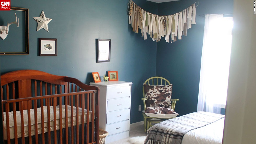 "<a href=""http://ireport.cnn.com/docs/DOC-1013122"">Kilee Nickels</a>' rustic and <a href=""http://www.onelittlemomma.com/"" target=""_blank"">Western</a> nursery."