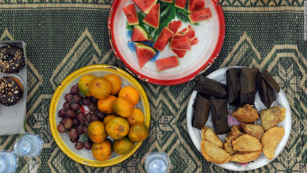 Download Allahu Akbar Eid Al-Fitr Food - 130805141043-eid-indonesia-food-fruit-horizontal-large-gallery  Picture_4110049 .jpg